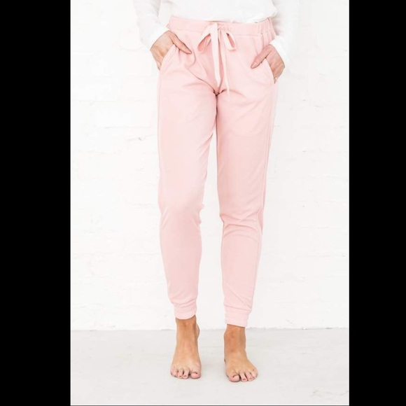 rachel parcell Pants - Rachel Parcell Take It Slow Joggers in Pink